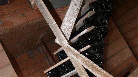 Die Treppe Wird Eingebaut