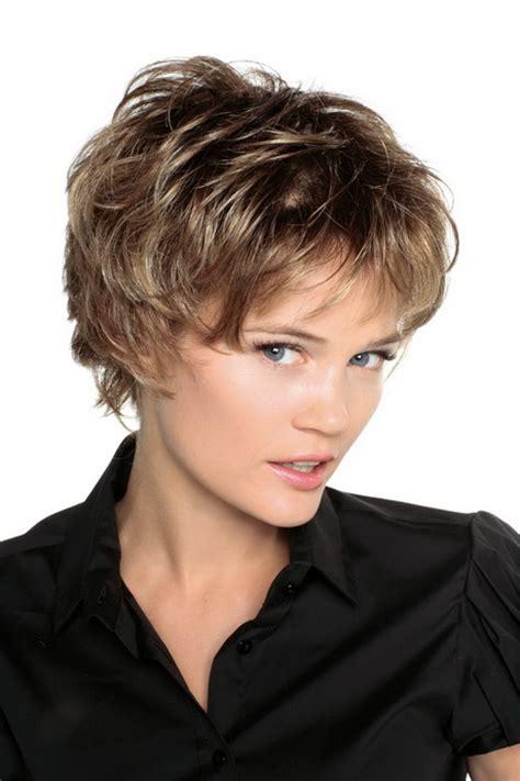 modele coupe cheveux court femme