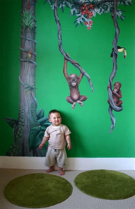 8 best wall murals