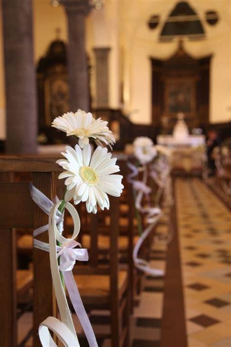 25 best ideas about fleurs d 233 glise sur fleurs de mariage de l 233 glise fleurs de