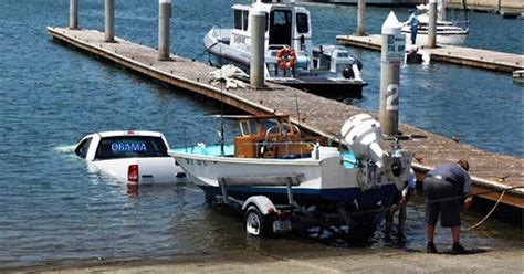 Best Boat Trailer For Beach Launching by You Re Doing It Wrong 12 Priceless Boat Launch Fails