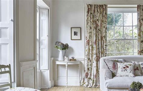 Rhhamiparacom Outstanding Curtain Trends 2017 Curtain Patterns For Including Light Blue Walls Curtain Over A Doorway Lace Bathroom Curtains Pottery Barn Kids Outdoor Tracks U Shaped Shower Rod Canada Cambria Wood Rods How To Sew Valance Net Dunelm