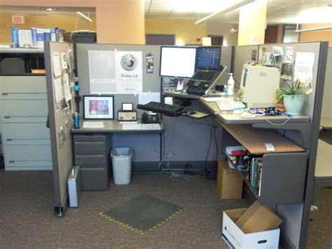 100 cubicle u2026 work ideas 96 best haunted house design images on