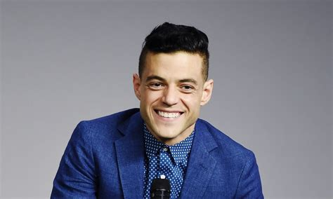 Rami Malek Is Mostly Unbothered By A Super Awkward Fan