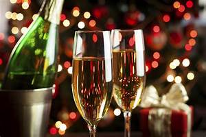 Tips For Hosting a Holiday Party
