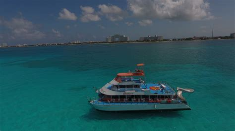 Catamaran Party Boat Cancun by Dancer Catamaran Party Cancun Isla Mujeres Day And Night