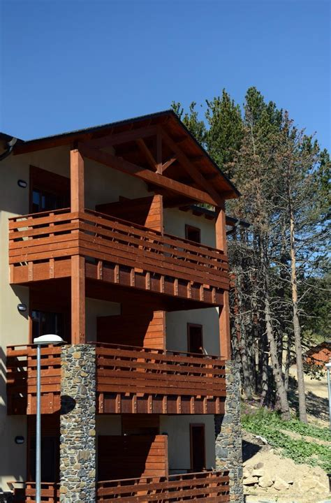 residence les chalets de l isard 19 5 les angles location vacances ski les angles ski planet