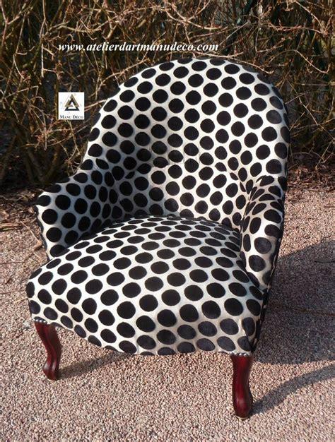 mobilier table restaurer un fauteuil crapaud