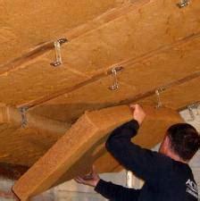 la pose de fibre de bois en combles am 233 nag 233 s isolant 233 cologique et naturel au meilleur prix