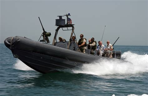 Inflatable Boat Paint Australia by File Us Navy 040520 N 7586b 057 Riding In A Rigid Hull