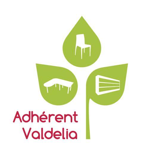 201 co responsable avec valdelia mobilier pour hitheatres auditoriums stades et salles de cours