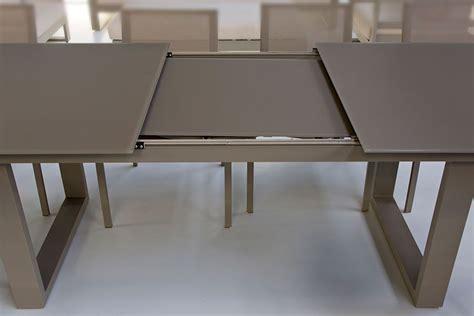 table en verre et aluminium avec rallonge 220 290 cm roma la galerie du teck
