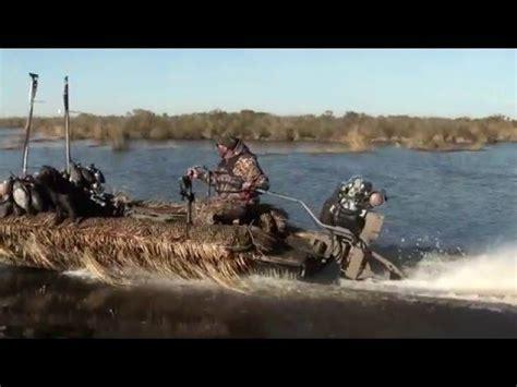 Gator Tail Vs Gator Trax Boats by Gator Trax Push Pole Cls Doovi