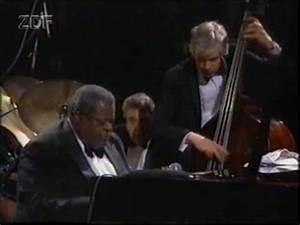 "Oscar Peterson Trio - ""Satin Doll"" - 1989 - YouTube"