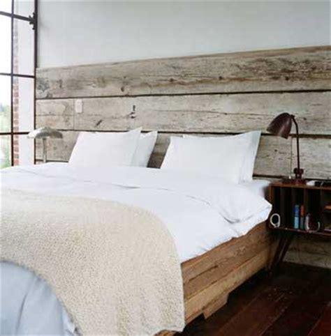 t 234 te de lit faite en bois flott 233 pour une chambre authentique