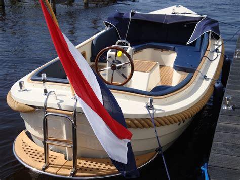 Loosdrecht Fluisterboot by Maril 625 8 10p Sloep Kaag Botentehuur Nl