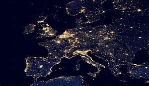 VIDÉO: incroyables images de la Terre vue de nuit ...