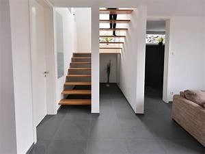 Treppen Streichen Ideen : die gro formatigen schiefer fliesen passen perfekt zu moderner architektur ~ Markanthonyermac.com Haus und Dekorationen