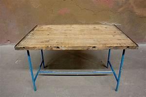 Tisch Mit Rädern : retro tisch raum und m beldesign inspiration ~ Markanthonyermac.com Haus und Dekorationen