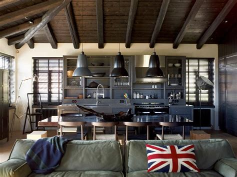 Industrial Home Style : House That Combines Industrial And Traditional Style