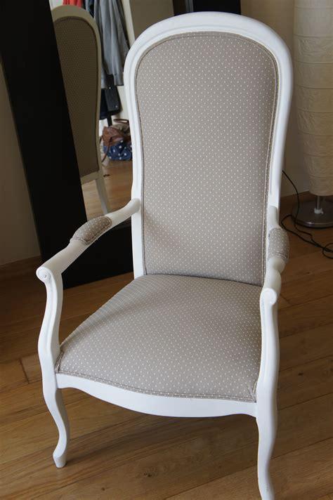 fauteuil voltaire gris pois blancs fauteuil voltaire