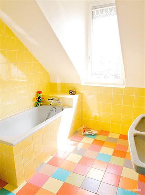 Charming Yellow Bathroom Decor Combined With Colorful