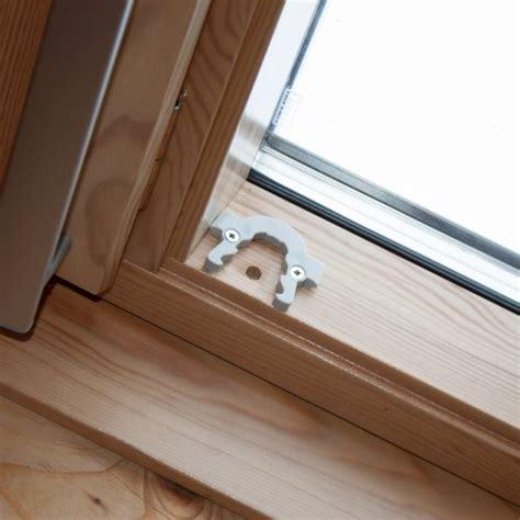 linge de maison m store 224 enrouleur pour fen 234 tre de toit type velux ggl u08 bleu
