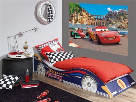 disney cars 2 d 233 coration murale maxi poster papier peint 160x115 disney cars decokids