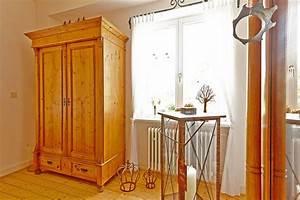 Schimmel An Möbeln : achtung schimmel ~ Markanthonyermac.com Haus und Dekorationen