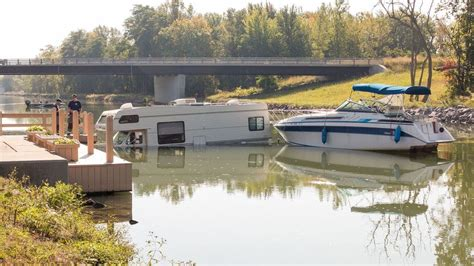 Boat Launch Gone Bad by Boat Launch Gone Wrong Sends Rv Into The Erie Canal Wham