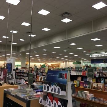 barnes and noble dallas barnes noble booksellers 10 reviews bookshops