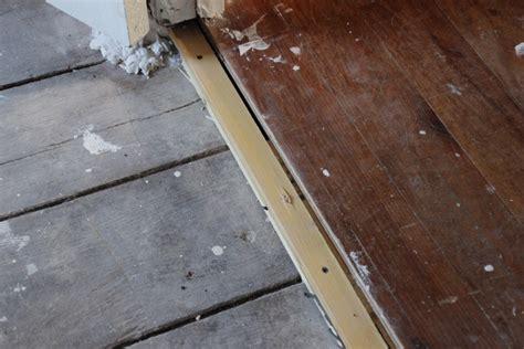 mise 224 niveau d un vieux plancher en bois