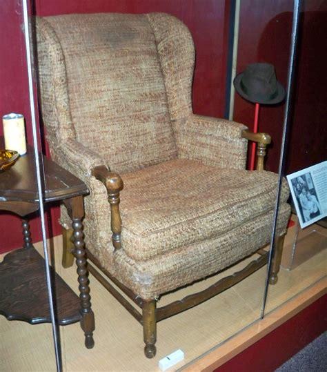 file archie bunker s chair by matthew bisanz jpg