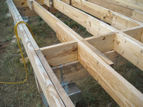 floor design average floor joist spacing