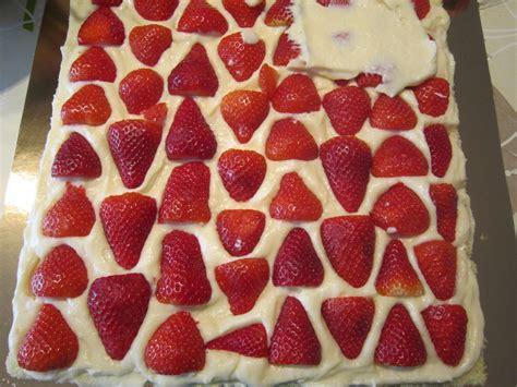 fraisier en couverture p 226 te 224 sucre secrets de gourmandises