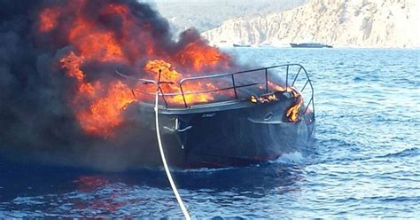 Fire Boat Ibiza by Ibiza Boat Fire Six Tourists And Their Dog Saved From