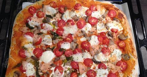 les astuces de f 233 e paillette comment faire une pizza maison recette facile p 226 te 224 pizza et