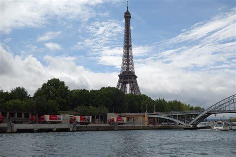 4 ville portuaire du quai d issy au pont de tolbiac balade fluviale le de la