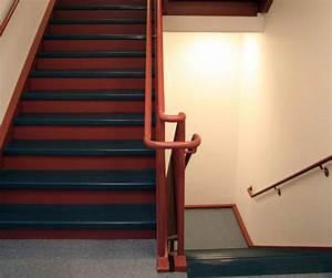 Treppen Streichen Ideen : treppenhaus streichen in 4 schritten zum erfolg ~ Markanthonyermac.com Haus und Dekorationen