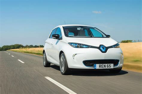 2017 renault zoe details emerge range nearly doubled car