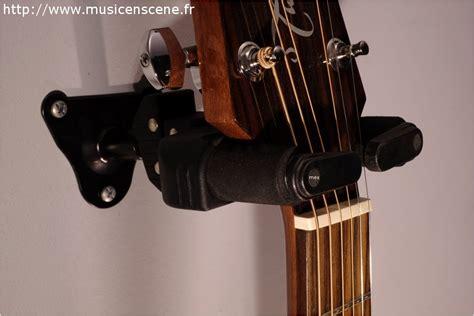 accueil accessoires guitares promo hercules support mural pour guitare en