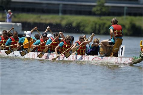 Dragon Boat Drum by Cheers Battle Drums As Dragon Boats Ply Maumee Toledo Blade