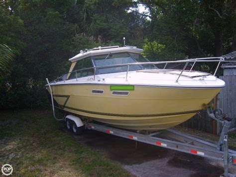 Sea Ray Boat Tops by 1975 Used Sea Ray Srv 240 Hard Top Express Cruiser Boat