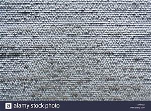 Graue Flecken An Der Wand : old wood shingle roof texture stockfotos old wood shingle roof texture bilder alamy ~ Markanthonyermac.com Haus und Dekorationen