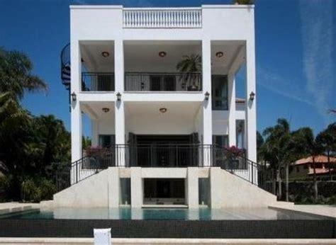 photos lebron vend sa maison de miami pour 17 millions de dollars
