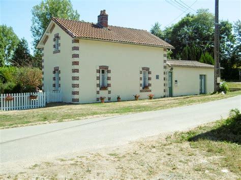 maison 224 vendre en pays de la loire vendee puy de serre ancienne maison de garde barri 232 re et