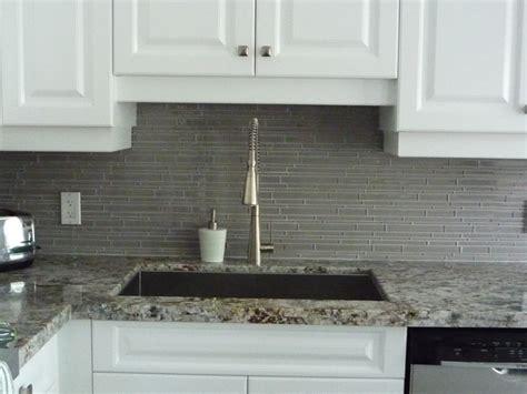 kitchen remodeling glass backsplash granite counter