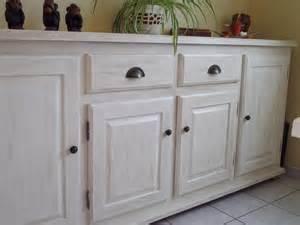repeindre un meuble en bois sans poncer 9 meubles de cuisine rustique en bois vernis avant
