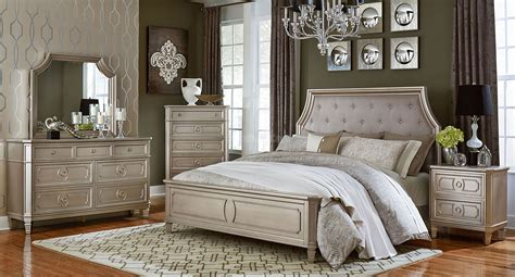 Silver Bedroom Furniture Sets-reflect A Clean And