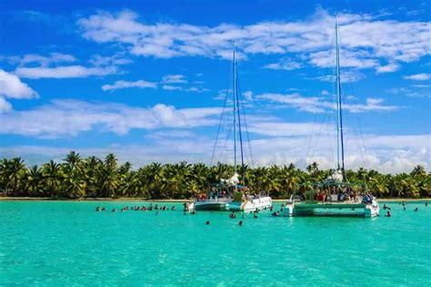 Catamaran Cruise In Cuba by A Sailing Week Accompanied By Salsa Rhythm On The Amazing